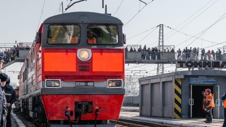 «Сидел на железнодорожных путях»: в Прикамье грузовой поезд сбил мужчину
