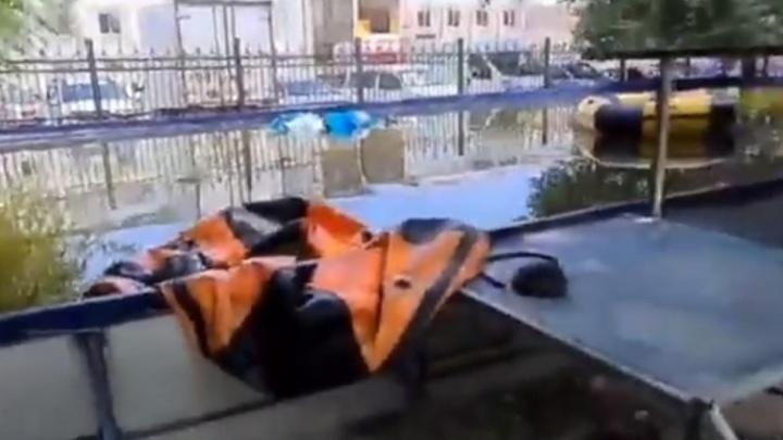 «Не дают детям отдыхать»: в Волгограде неизвестные регулярно портят аттракционы в парке
