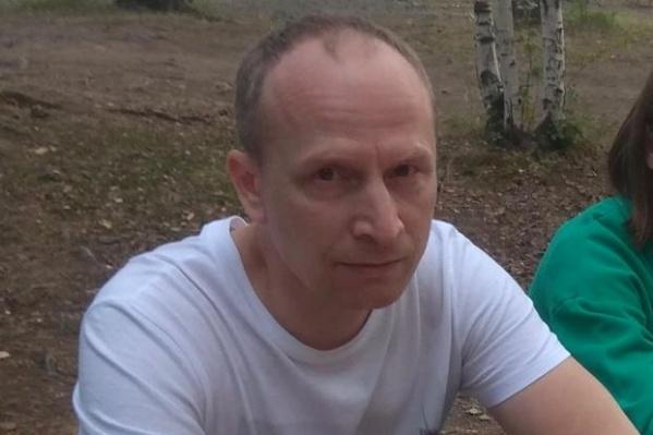 Поисковый отряд и полиция проверяли лес по направлению движения пропавшего бизнесмена