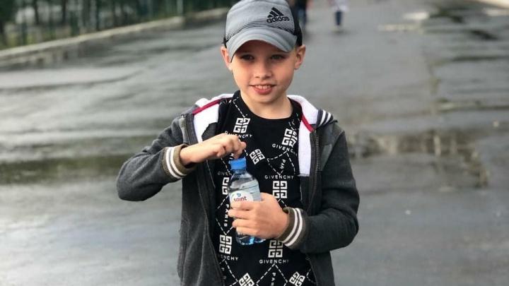 «Он был весь белый»: искалеченному в катастрофе с автобусом школьнику провели вторую операцию в московской клинике