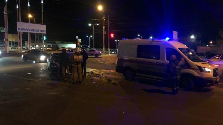 Вечерний снег и гололед спровоцировали сразу несколько аварий в Волгограде