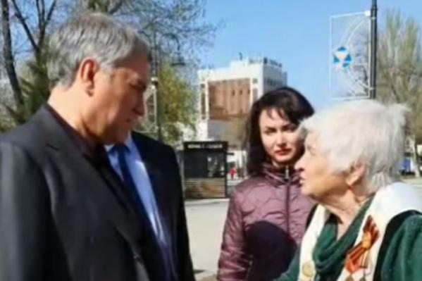 """В разговоре с Володиным женщина упомянула, что ей зимой исполнилось <nobr class=""""_"""">90 лет</nobr>"""