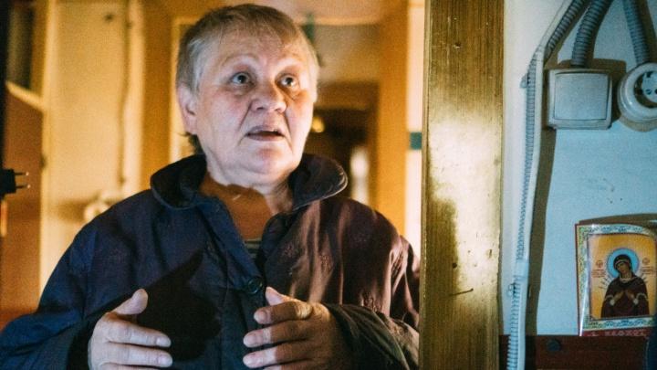 Историей омички, живущей в бочке 35 лет, заинтересовался главный следователь России
