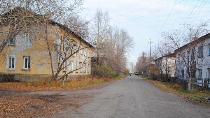 Как в деревне: часть бараков на Стрелочной остались без воды, так как их водопровод признали бесхозным