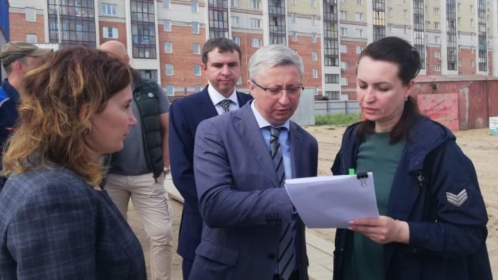 Мэр Омска проконтролировала строительство нового детского сада