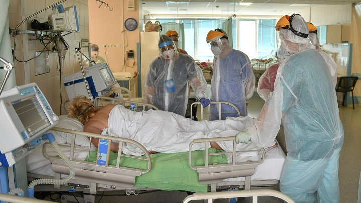 «Умирают пациенты от 30 лет»: почему в Свердловской области высокая смертность от COVID-19
