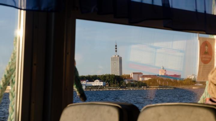 Другой мир за 37 рублей: как живут на Кегострове, внезапно прославившемся на всю Россию. Фотоистория
