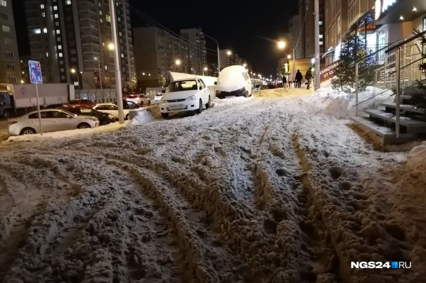Пешеходы вязнут, машины буксуют