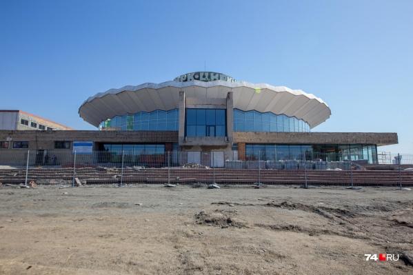 """В челябинском цирке с <nobr class=""""_"""">2019 года</nobr> не дают представлений, здание в центре города закрыли на ремонт"""