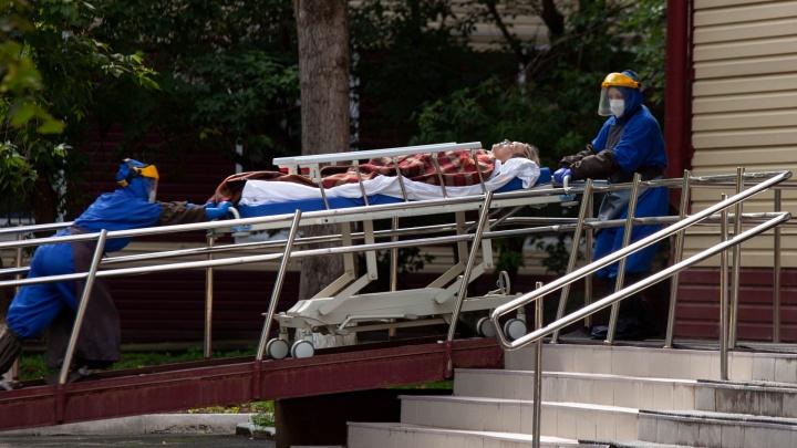 Не задохнуться. В тюменском моногоспитале за две недели умерли 156 человек — пациенты говорят о перебоях с кислородом