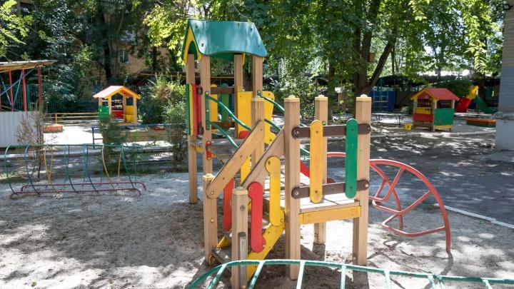 Жительница Новочеркасска обвинила воспитателей детсада в избиении дочери