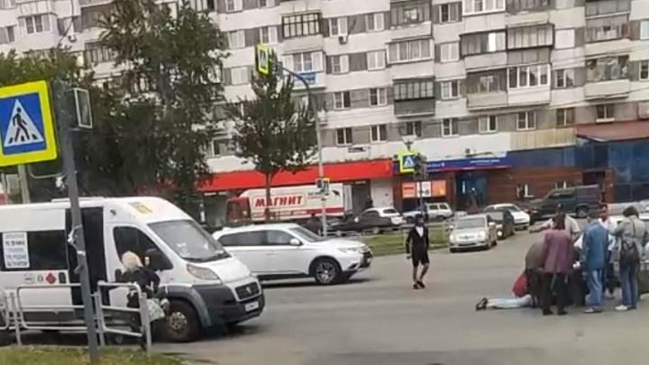 Водитель маршрутки сбил молодую челябинку на пешеходном переходе