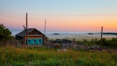 В Омске и области перед холодами взлетели цены на дрова. Разбираемся почему