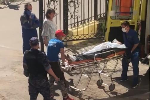 Врачи рассказали о состоянии учителя лицея Березников, на которую напал ученик с ножом
