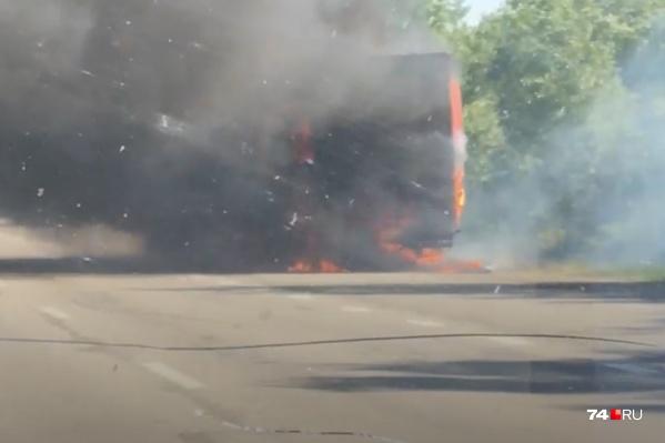 Пожар возник в районе деревни Большое Таскино перед поворотом на Кунашак