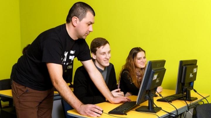 """«Учите """"цифру""""»: где получить качественное образование и почему будущее немыслимо без IT-технологий"""
