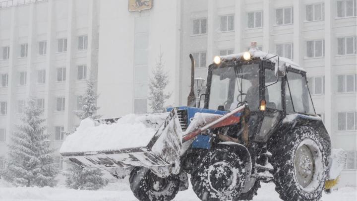 Областного чиновника обвиняют в растрате 373 тысяч рублей за невывоз снега из центра Архангельска