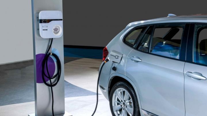 Будущее пришло: ярославцы смогут заряжать свои электрокары на парковке под Толбухинским мостом