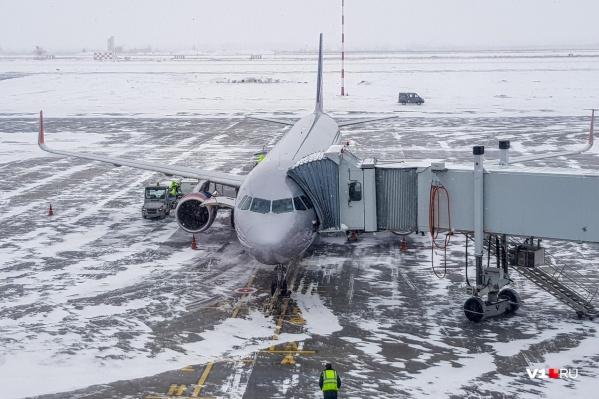 Попасть в самолет минуя снегопад в Волгограде не удастся