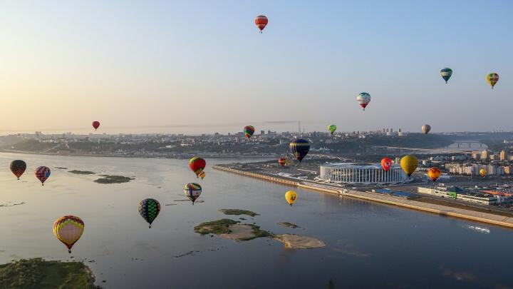 Воздушные шары снова над Нижним. Смотрите фото и видео с высоты птичьего полета