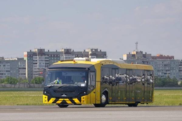 На днях новый автобус начал перевозить первых пассажиров