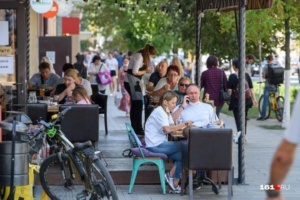Справки по-прежнему нужны для посещения кафе и ресторанов