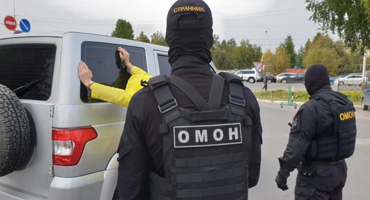 Прятал взятку в носке: в Сургуте задержали сотрудника муниципальной больницы