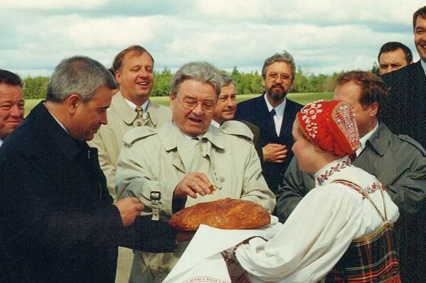 Геннадий Игумнов во время посещения Пермской области