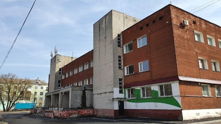 Здание муниципальной бани в Ярославле, на месте которой разрешили стройку, выкупили москвичи