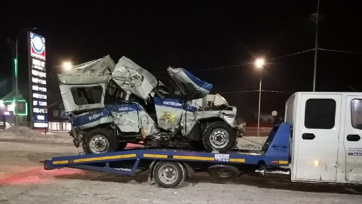 Уазик смяло: 40-летний водитель разбился насмерть в жестком ДТП на трассе Тюмень— Ханты-Мансийск