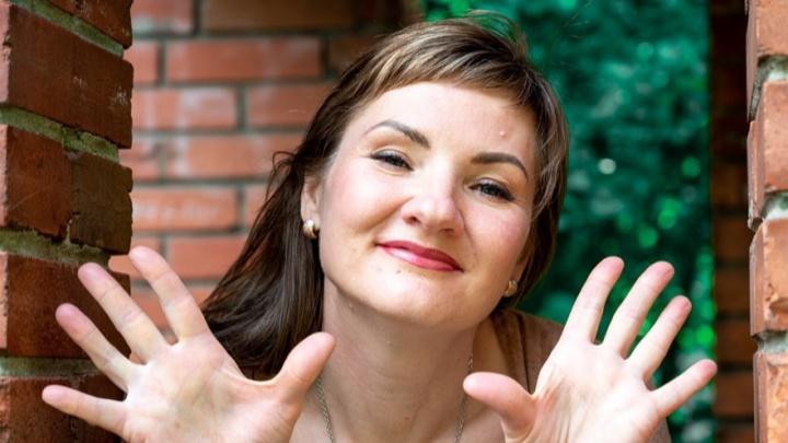 «Он пытался. Я пыталась. Не смогли»: известная в Новосибирске мама 10 детей объявила о разводе с мужем
