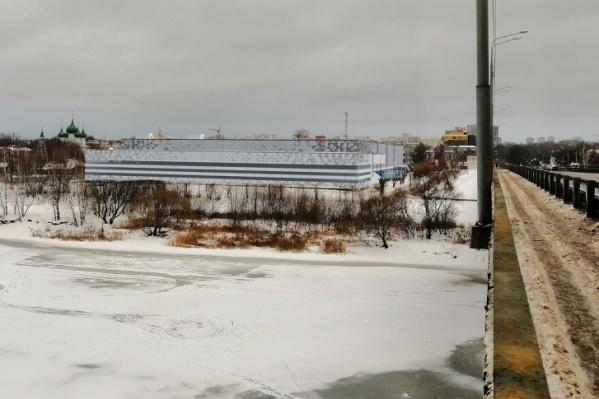 Так ТЦ должен был выглядеть со стороны Толбухинского моста<br>
