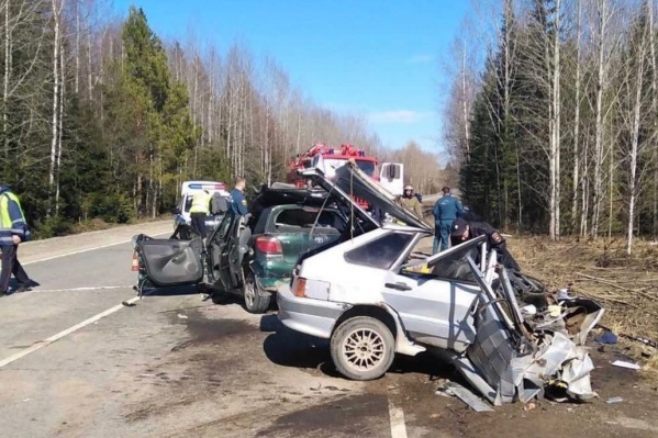 На трассе столкнулисьВАЗ-2114 и Toyota Yaris