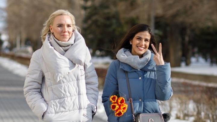 Мимозы, тюльпаны и розы: смотрим на буйство цветов на улицах Волгограда