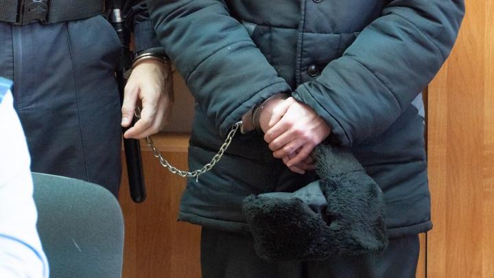 В Тюкалинске охранник кафе убил посетителя из охотничьего ружья