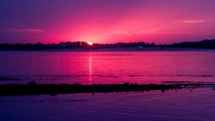 Здравствуй, утро чудесное: фотограф снял пасмурный восход солнца над Волгоградом