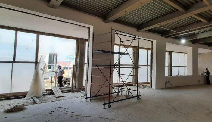 Белые стены, просторные залы: здание Фабрики-кухни примет первых посетителей в сентябре 2021 года