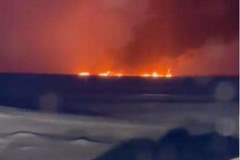 Горит река: в ХМАО из-за аварии на подводном трубопроводе полыхает нефть