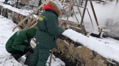 Нефть попала в почву: в Ярославле после взрыва приостановят работу НПЗ имени Менделеева