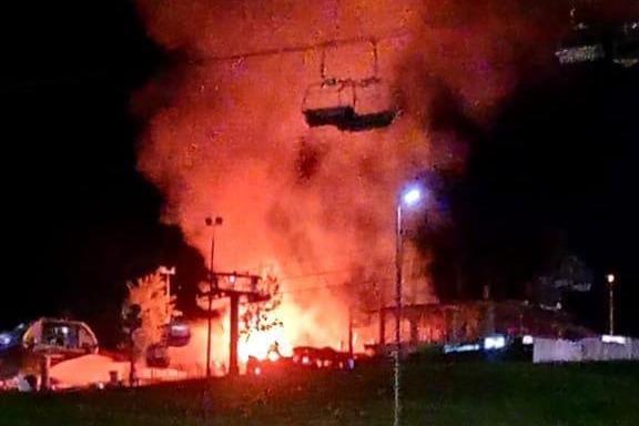 На «Розе Хутор» ночью сгорел бар