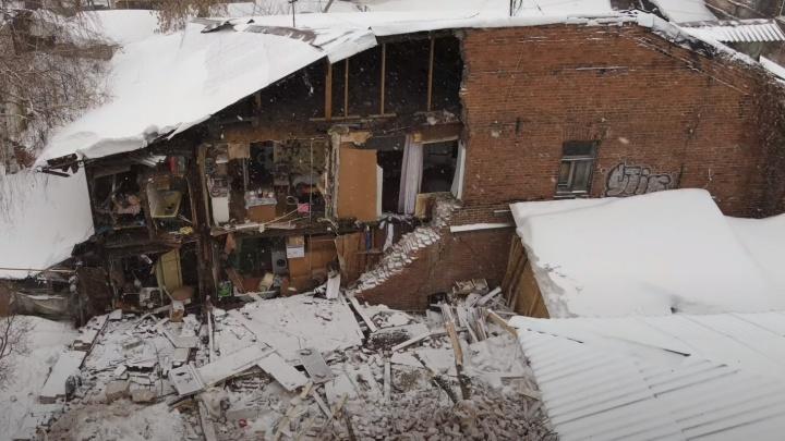 Стена рассыпалась: самарец снял с высоты разрушенный дом на Галактионовской