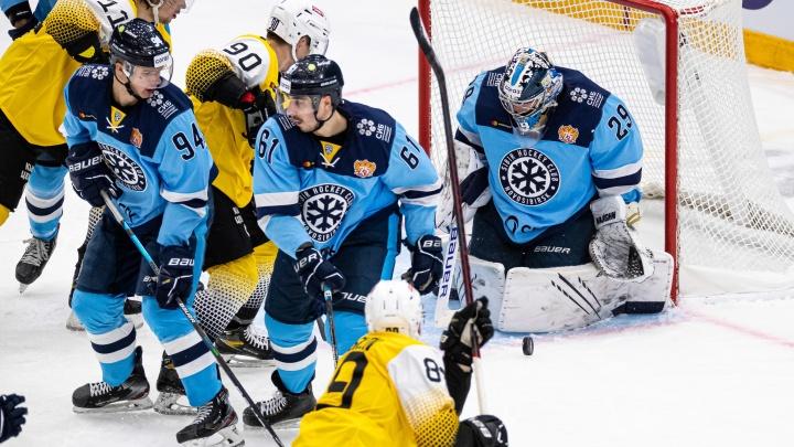 Хоккейный клуб «Сибирь» проиграл «Северстали» из Череповца в первом домашнем матче сезона