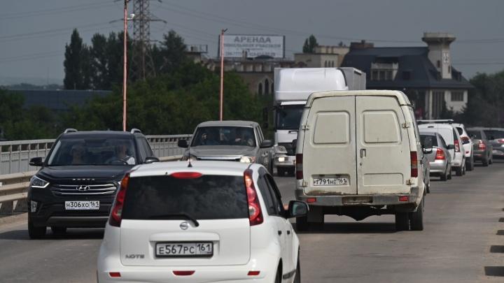 Движение на мосту Малиновского в Ростове решили открыть на месяц раньше