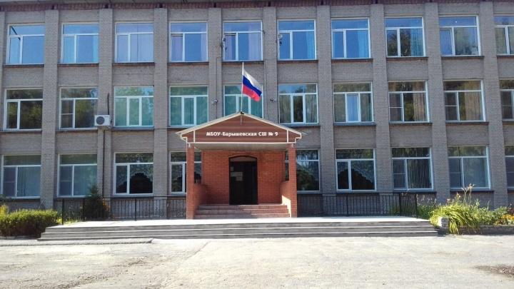 На стройке школьного стадиона под Новосибирском обнаружили человеческие останки