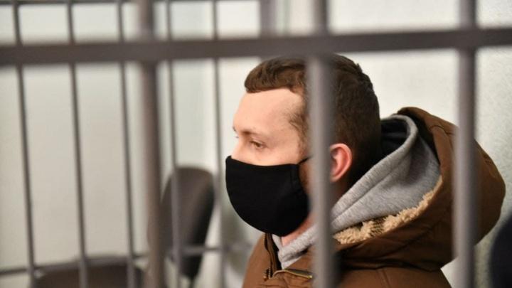 Виновнику смертельной аварии на Малышева вынесли мягкий приговор: онлайн из суда