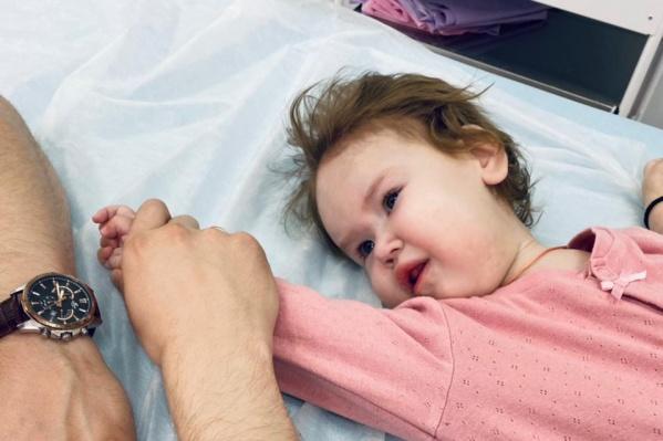 Пока Тася получает антибактериальную терапию в больнице