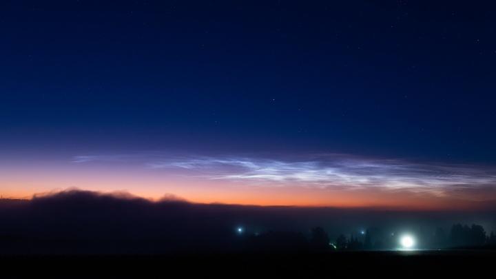 Над Новосибирском появились серебристые облака — показываем 8 снимков редкого явления