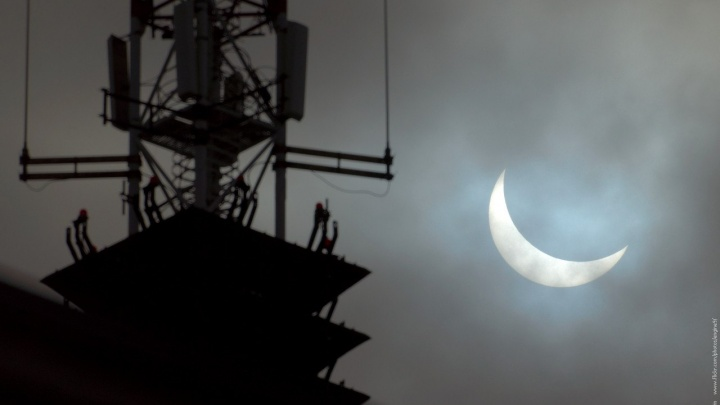 «Только с одной точки и только в тот момент»: как правильно сфотографировать редкое затмение 10 июня