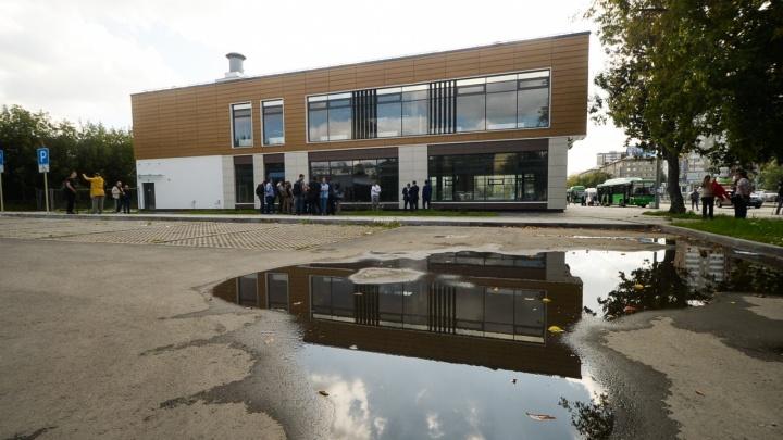 «Нужно его использовать для муниципальных целей»: мэр — о здании над недостроенной станцией «Бажовская»