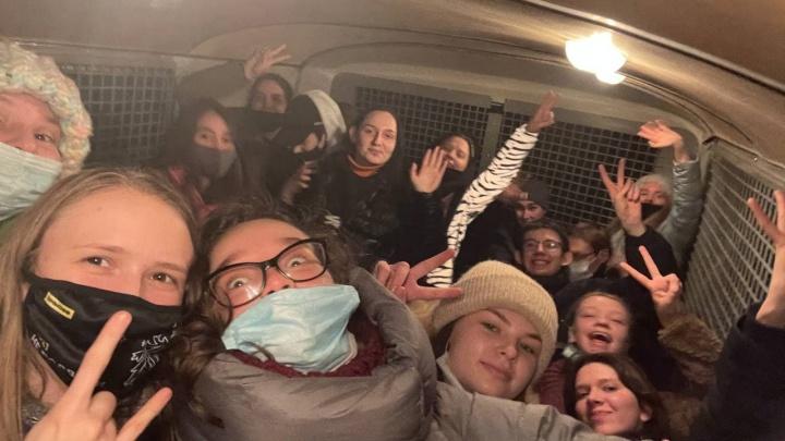 День рождения в изоляторе: омичка написала дневник в заключении после протестов в Москве